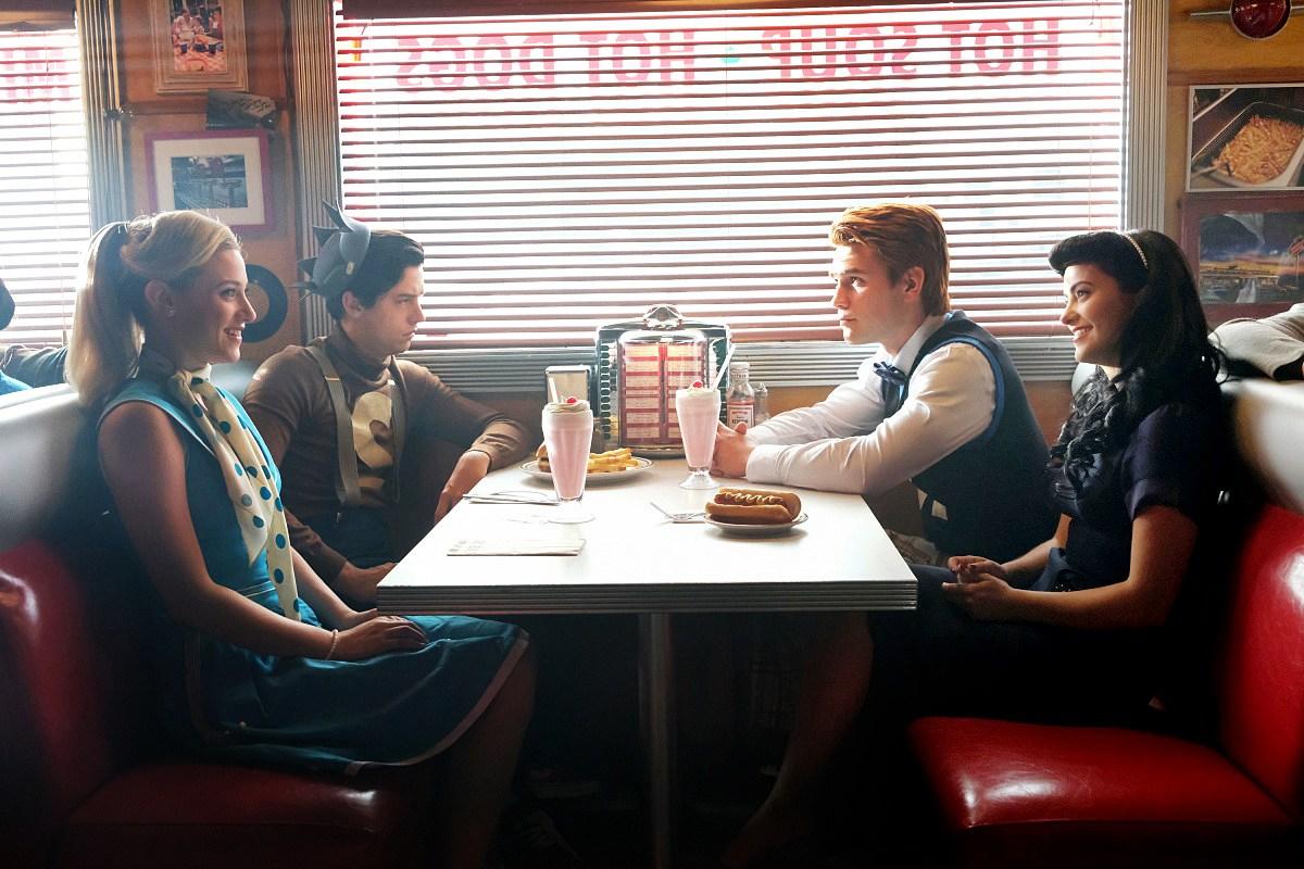 Lili Reinhart Betty Cooper Cole Sprouse Jughead Jones KJ Apa Archie Andrews Camila Mendes Veronica Lodge Riverdale