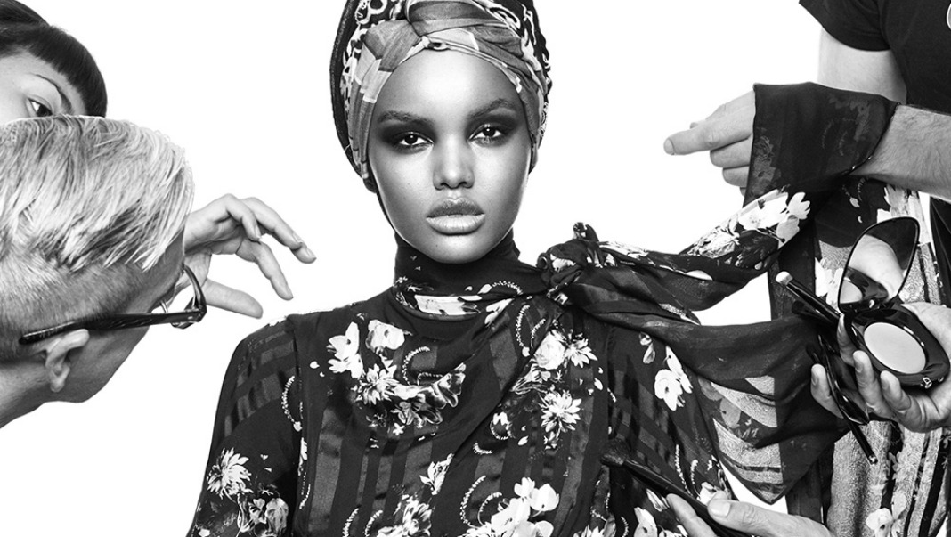 Halima Aden model hijab