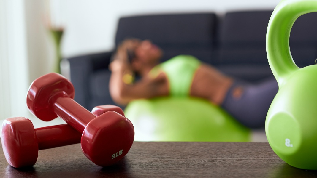 woman exercising, fast workouts