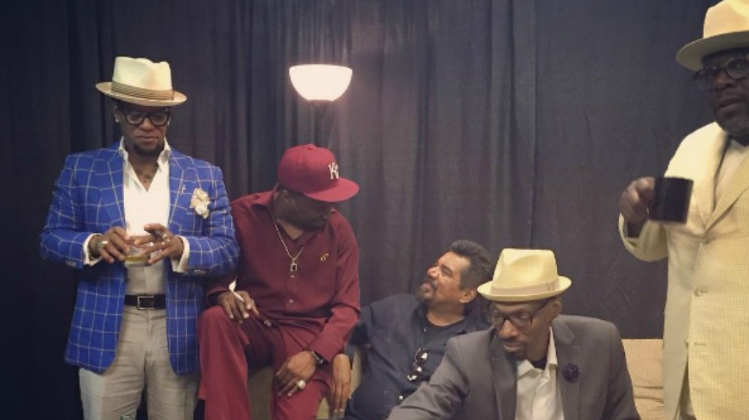 friends pay tribute to late charlie murphy