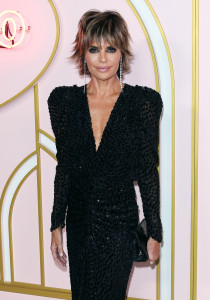 Lisa Rinna Reveals Her Secret to Staying Sane During 'RHOBH' Filming