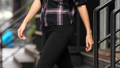 Copy Taylor Swift's Red And Black Plaid Outfit For Autumn