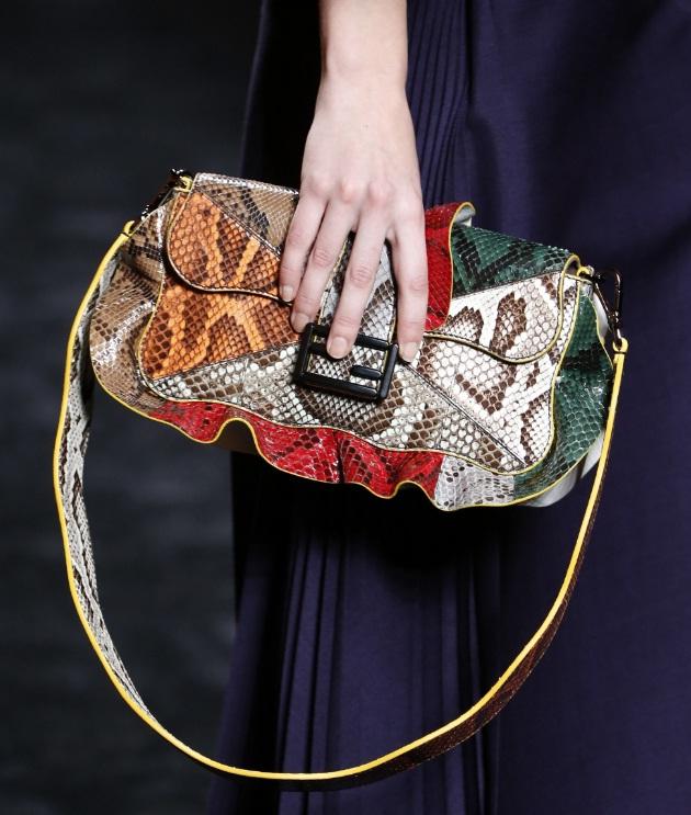 5 Chic Baguette Bags For Autumn