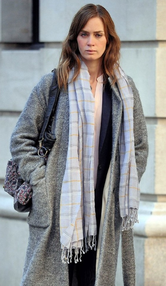 "Get Emily Blunt's Grey Coat And Plaid Scarf From ""The Girl on the Train"""