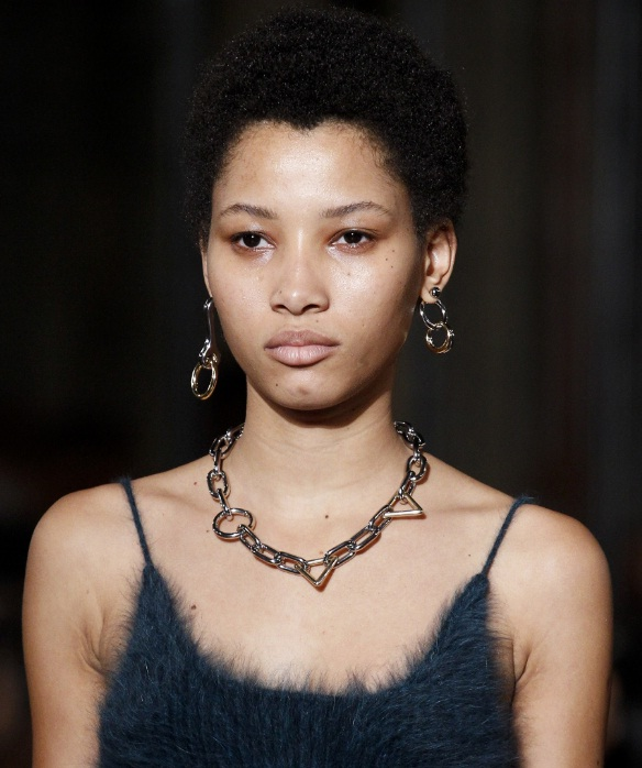 5 Funky Chain Necklaces For The Accessory Addict