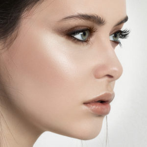 Beauty Lesson: Highlighting and Contouring
