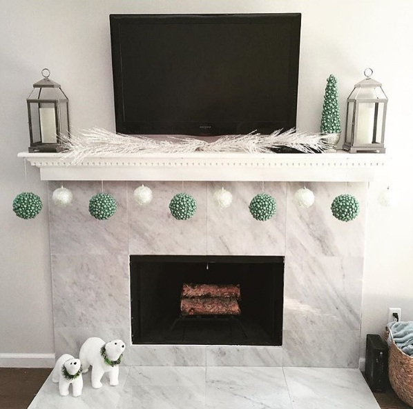 Festive Fireplace Décor To Instantly Warm Up Your Space