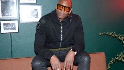 """Dave Chappelle Said He Dodged R. Kelly & His """"Goons"""" Over The Infamous """"Piss On You"""" Skit"""