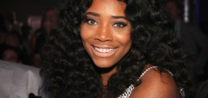 Yandy Smith Protests Outside Of Brooklyn Jail Where Inmates Have No Heat Or Electricity