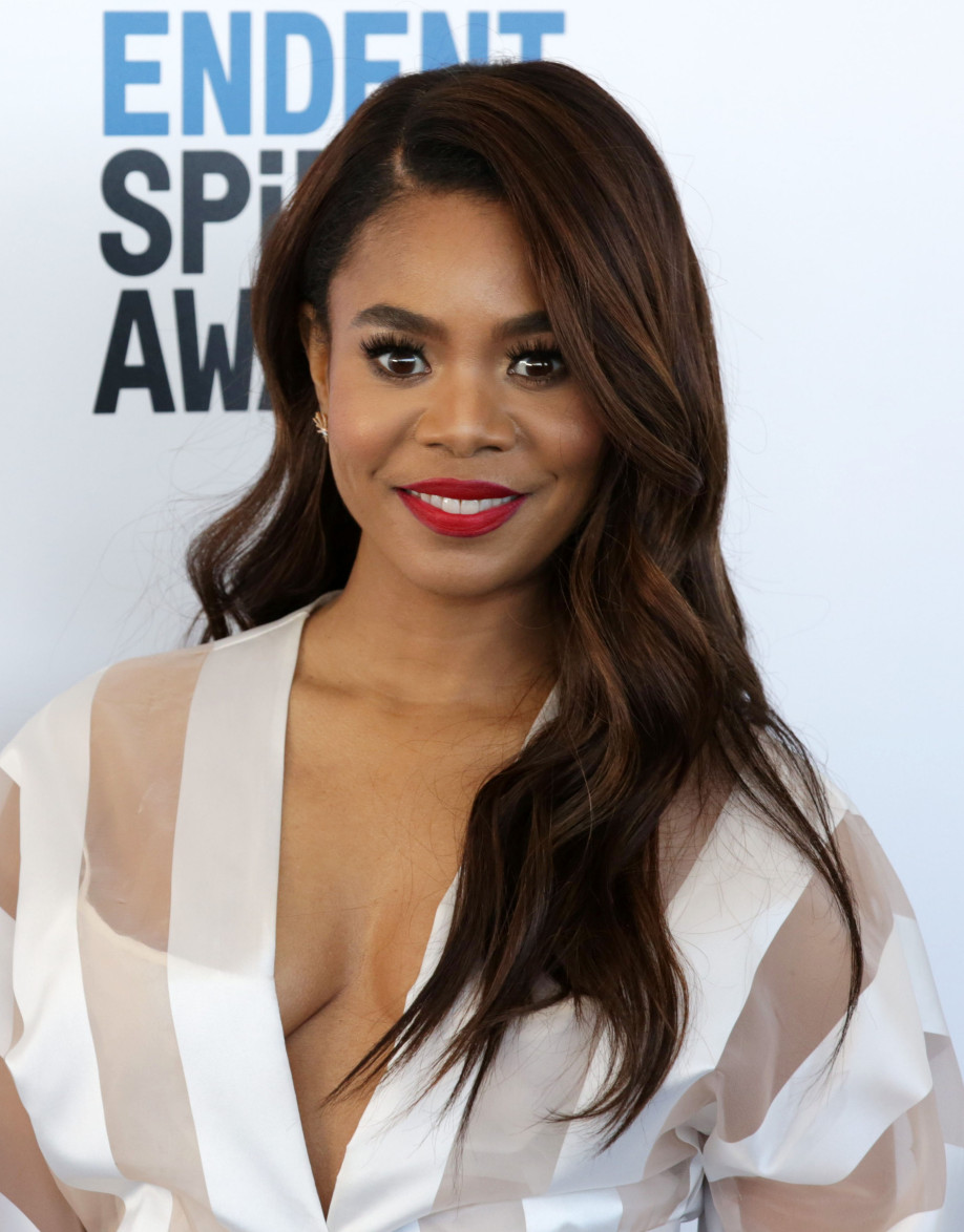 Regina Hall And Her Mom Got Way Too Lifted Off The Ganja Once & Had To Be Rushed To The Hospital
