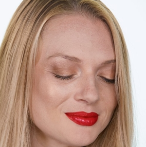 The Best Red Lipstick Looks for the Holidays